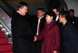 Янукович начал государственный визит в Китай