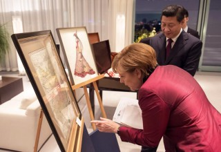 Подарок Си Цзиньпину от Меркель взорвал китайский интернет