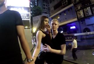 Видео с уводящим девушку у китайца иностранцем вызвало скандал в интернете