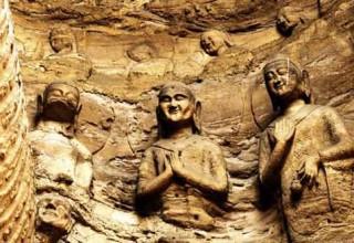 В провинции Шаньси найдены более 1000 каменных статуй Будды