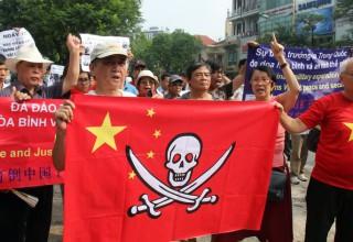 Более тысячи гонконгцев отменили свои поездки во Вьетнам из-за беспорядков