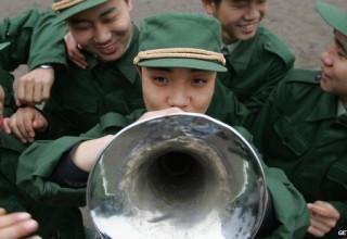 Власти Китая увеличат вдвое расходы на развлечения для солдат