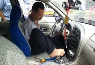 Китаец без рук и без водительских прав наездил 160 тысяч км