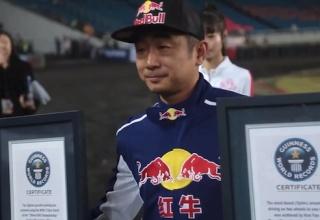 Китайский гонщик установил новый мировой рекорд по параллельной парковке