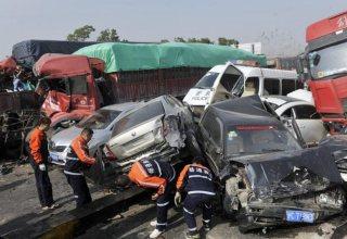 В провинции Аньхой столкнулись 70 автомобилей