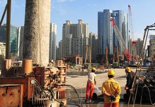 Деловые новости Китая за неделю: замедление роста  ВВП и выход на европейский футбольный рынок