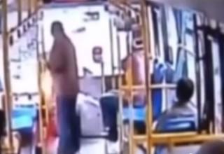 Китайский пенсионер бросил в водителя автобуса гранату