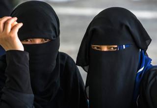 В Синьцзяне женщинам запретили носить закрывающую лицо одежду