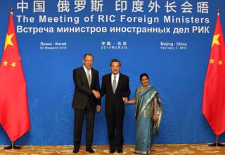 Деловые новости Китая за неделю: встреча стран РИК и высокий рейтинг «Газпрома» у китайцев