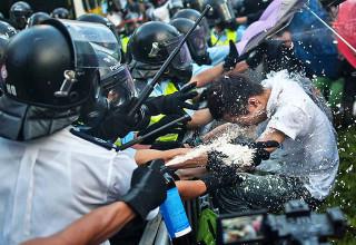 Делегаты из Гонконга просят у парламента КНР помощи в противодействии протестам