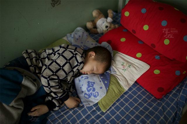 школа для детей с ВИЧ в Китае