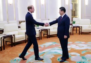 Не шути про азиатов и говори нихао: 5 правил дипломатических отношений с Китаем