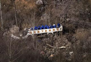 Частная труппа китайской оперы попала в смертельное ДТП на автобусе