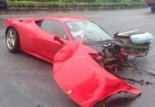 Китаец разбил Ferrari за $600 000