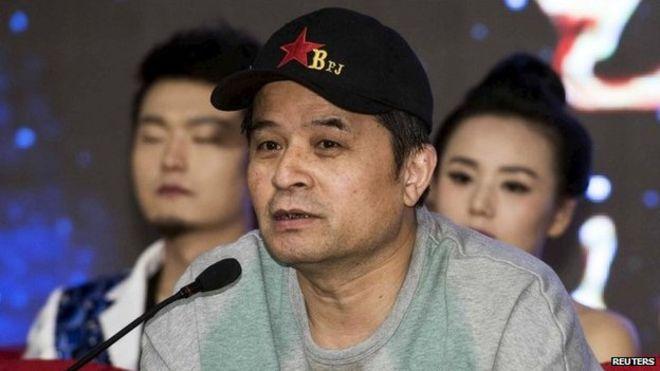 Китайского телеведущего отстранили от эфира за оскорбительную песню о Мао Цзэдуне