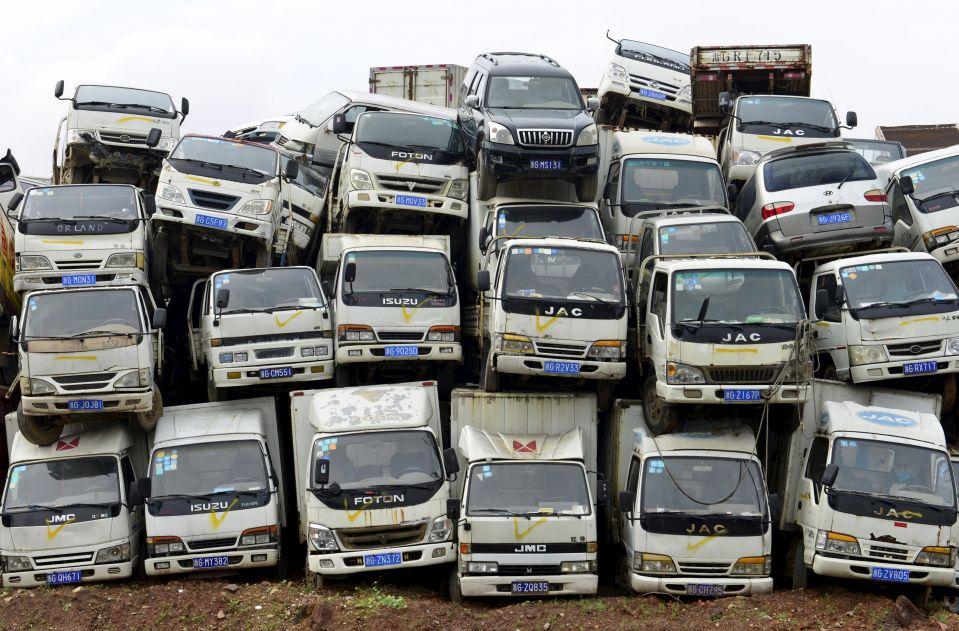 Утилизированные автомобили на одной из центров переработки в Китае.