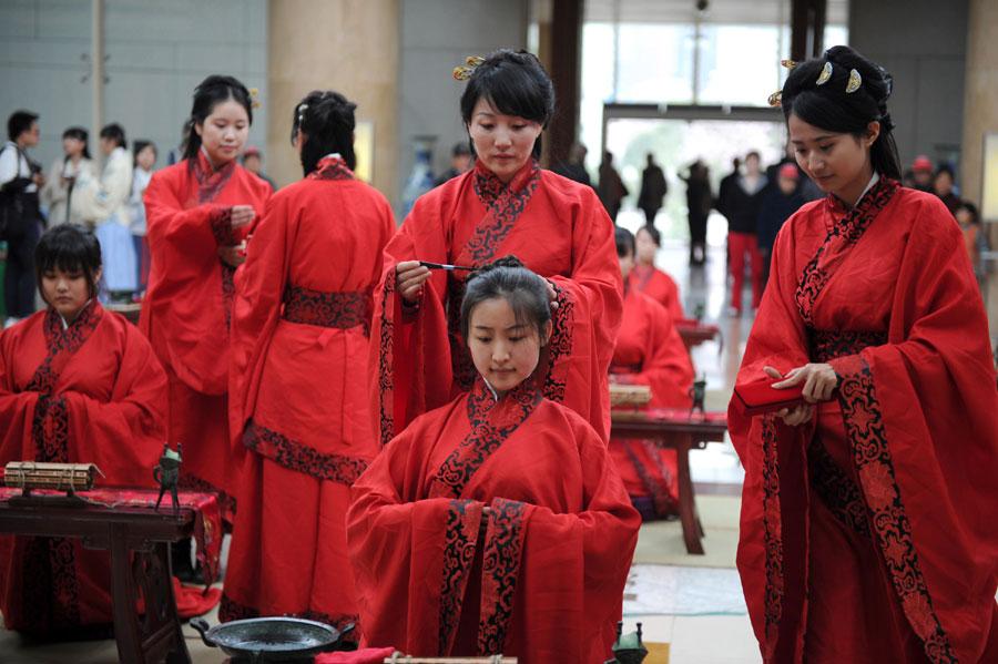 церемония совершеннолетия у девушек в китае