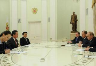 Владимир Путин встретился с министром иностранных дел Китая в Кремле