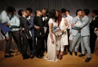 7 однополых пар из Китая поженились благодаря Alibaba