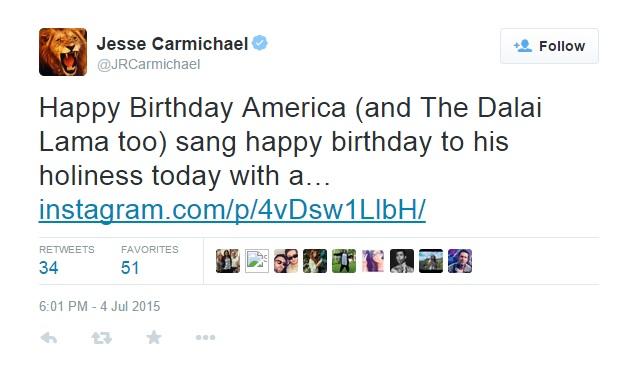 Твитт с поздравлением Далай-ламе от участника Maroon 5.