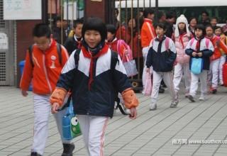 Китайским школьникам расскажут о работе фондовой биржи