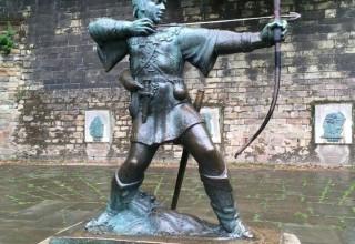 «Близнец» знаменитой статуи Робин Гуда будет передан Китаю
