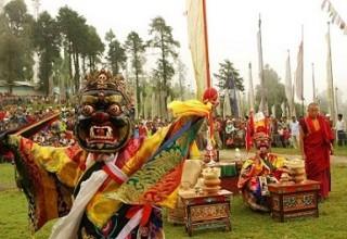 В Тибете проходит ежегодный Фестиваль йогурта
