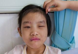 Скандал в Китае: мачеха жестоко обращалась с падчерицей