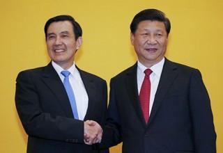 В Сингапуре впервые в истории встретились лидеры КНР и Тайваня