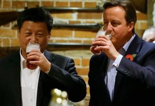 Фото Си Цзиньпина с пинтой резко повысило спрос на британское пиво в Китае