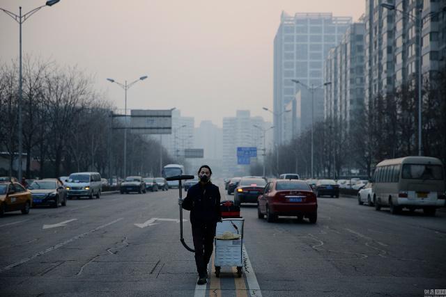 китаец, смог, кирпич