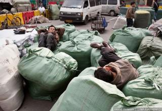Как китайские «челноки» мешают российскому экспорту в Китай