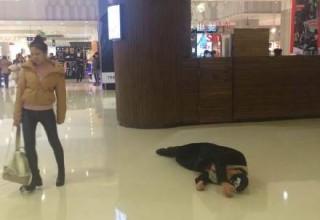 Китаец во время ссоры с девушкой буквально выполнил ее просьбу «катиться»
