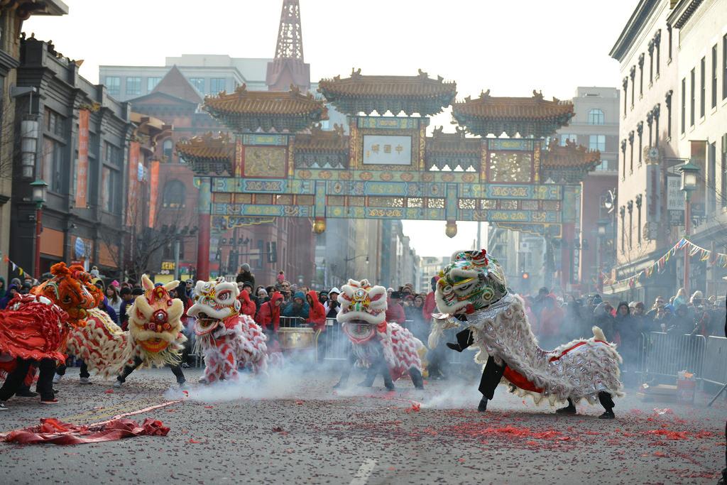 Празднование китайского Нового года в Чайнатауне Вашингтона.