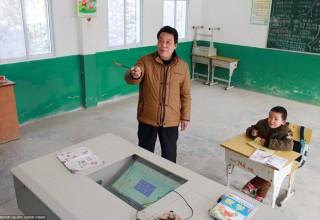 Лю Цзянькан — единственный ученик сельской школы в провинции Хубэй
