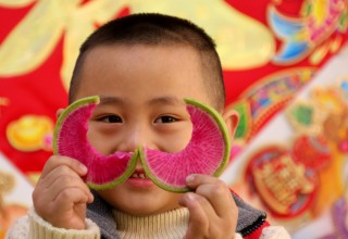 День «Кусания весны» в Китае