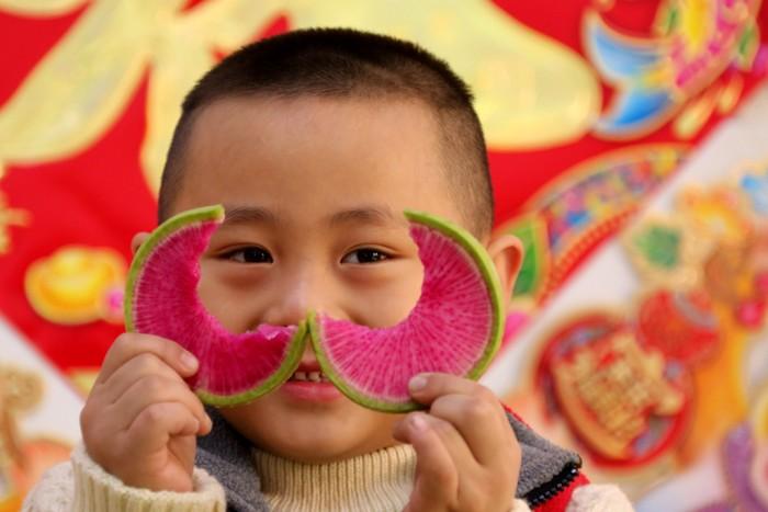Начало весны в Китае красный дайкон