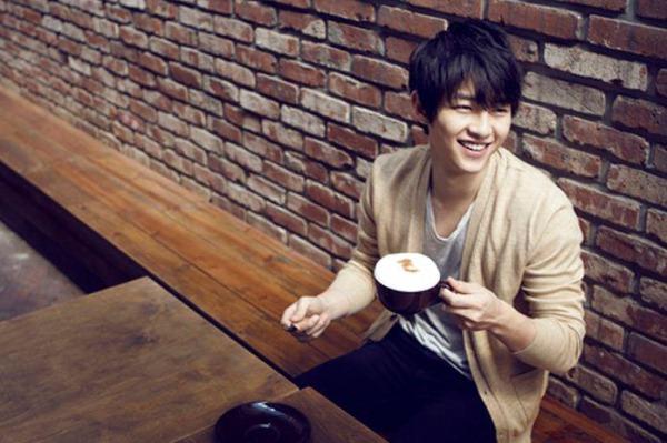 Южнокорейский актер Сон Чжун Ки.