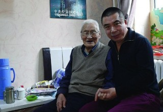 Шанхайцев обяжут навещать пожилых родителей