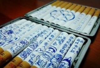 Китаянка пытается заставить мужа бросить курить с помощью смешных рисунков на сигаретах