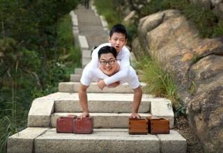 Сила воли: Как 33-летний инвалид помог 11-летнему подняться на гору