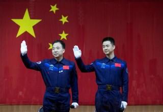 Китайский корабль «Шэньчжоу-11» успешно запущен на орбиту