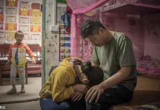 В Китае 11-летняя девочка готова пожертвовать почку больному отцу
