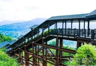 В Китае открылся самый длинный экскурсионный эскалатор