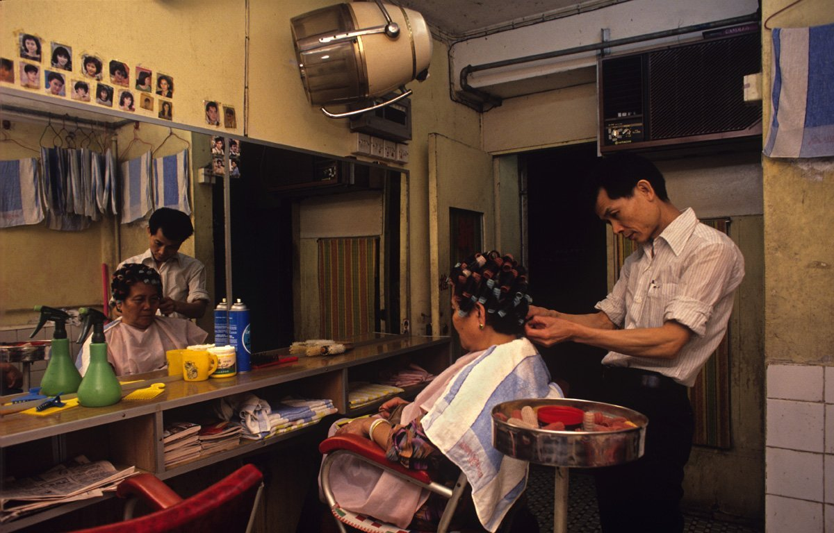 kowloon-offered-just-about-every-business-imaginable-for-better-or-worse-at-night-schools-and-salons-were-converted-into-strip-clubs-and-gambling-halls-trafficked-drugs--mostly-opium--made-frequent-appearances