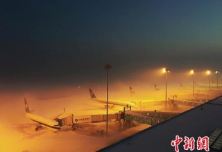 Более 5 тыс. человек заблокированы в аэропорту Урумчи из-за снега
