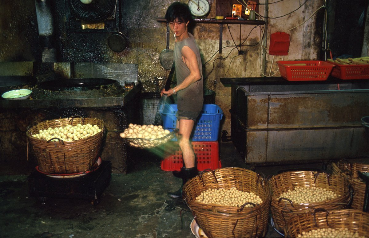 some-of-the-most-common-products-manufactured-in-the-city-were-fish-balls-which-kowloon-producers-sold-to-local-restaurants