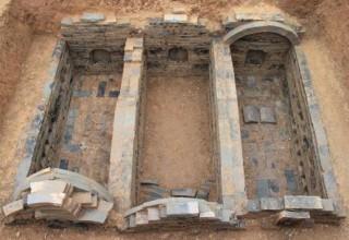 В Китае обнаружили 2-тысячелетнюю гробницу