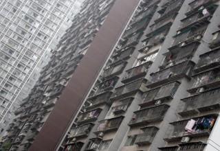 Суд Чунцина обязал заплатить за выброшенную из окна бутылку всех жильцов дома