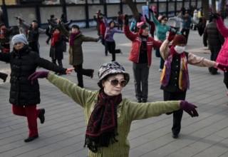 Пекин ужесточает правила для танцующих бабушек